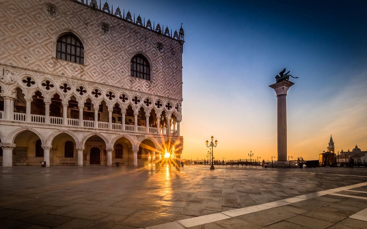 Architecture Cityscape Doge's Palace Dogenpalast History San Marco Square Sunbeam Sunburst Sunlight Sunrise Travel Destinations Venedig Venice