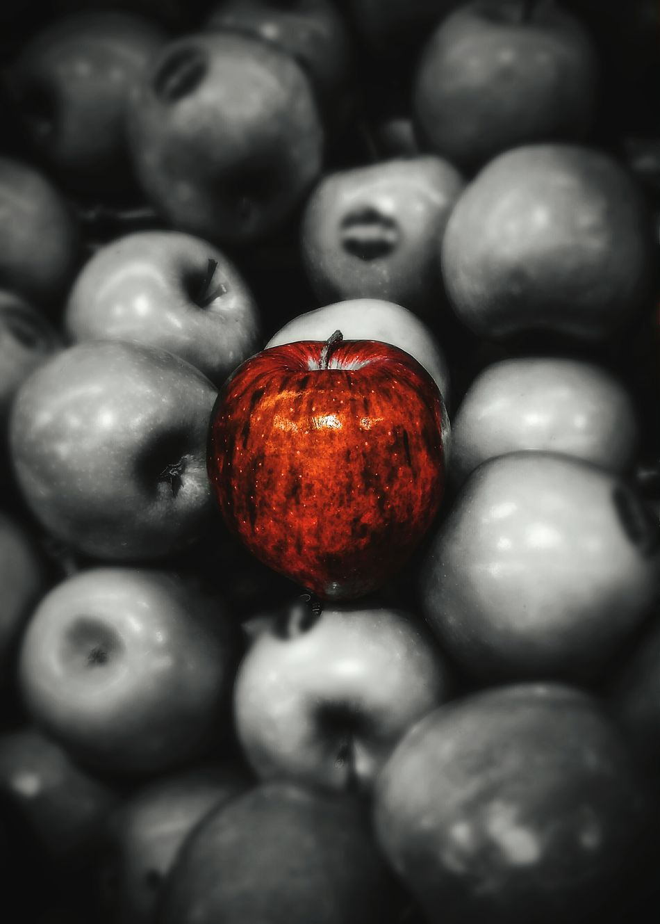 'Cursed Apple' Apple Redapple GREENAPPLES Red Snowwhite Cursed Disney Market Pile Splash Focused Smartphonephotography Photography Photographer EyeEm Gallery EyeEm Best Shots Colour Of Life