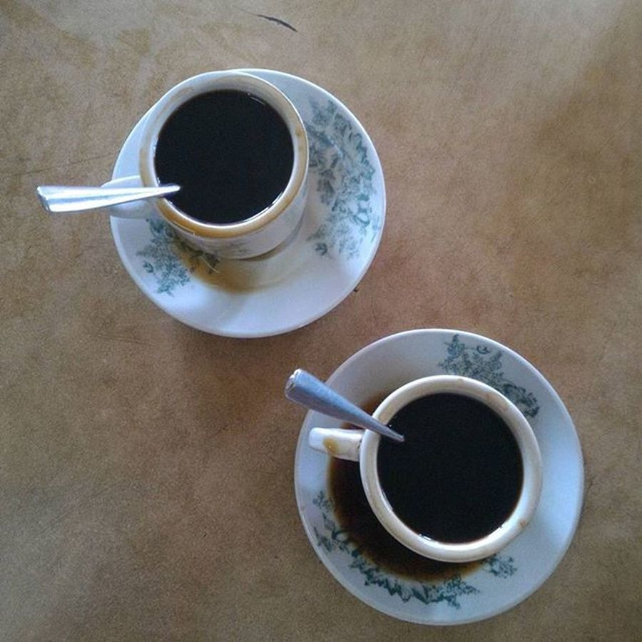 Hanya kopi Kilimanjaro yang bisa kalahkan kopi Hawaii ini heheheheh Coffe Kedaikopi Kedaikopihawaii Kijang Bintan  Wonderfulkepri  Yuliseperi 1000kata Pewartafotoindonesia SijoriImages Documentary Dailylife Hawaii Hipaae Street Food Worldwide