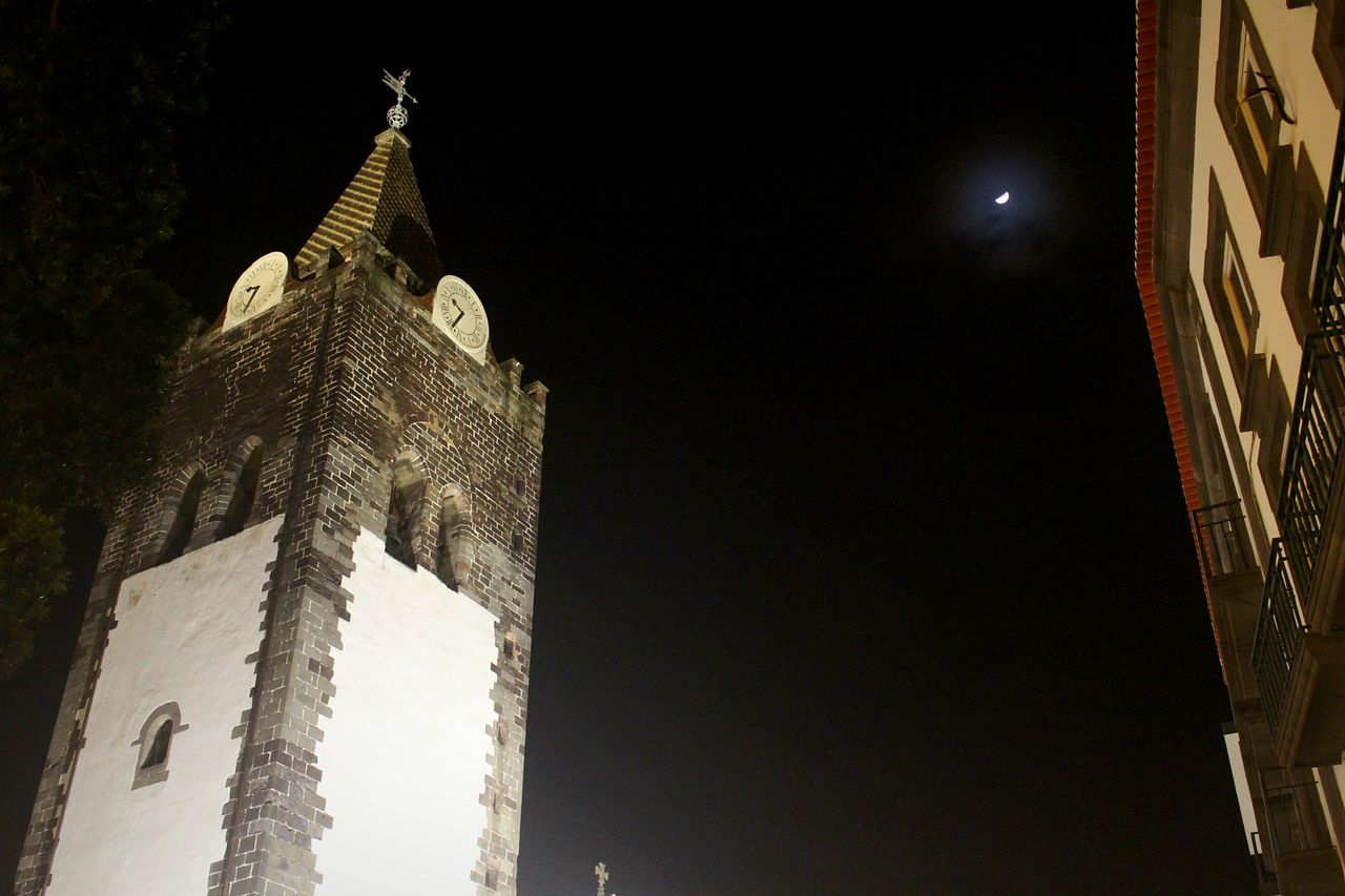 Low Angle View No People Architecture Sky Night Religion Built Structure Illuminated Outdoors Capture The Moment Photooftheday Eyeemvision EyeEm Best Shots Nightphotography Illumination Photography Architecture Clear Sky Church Igreja Noite Noche Lua  Moon CaptureTheMoment