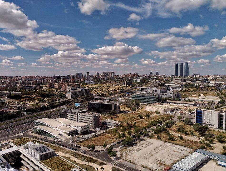 "Vistas desde la torre BBVA, ""La Vela"" Madrid SPAIN Jorge L. Españoles Y Sus Fotos Skyline Architecture Cityscape From My Point Of View Cloud - Sky Building Exterior City Built Structure Skyscraper High Angle View Day No People Outdoors"