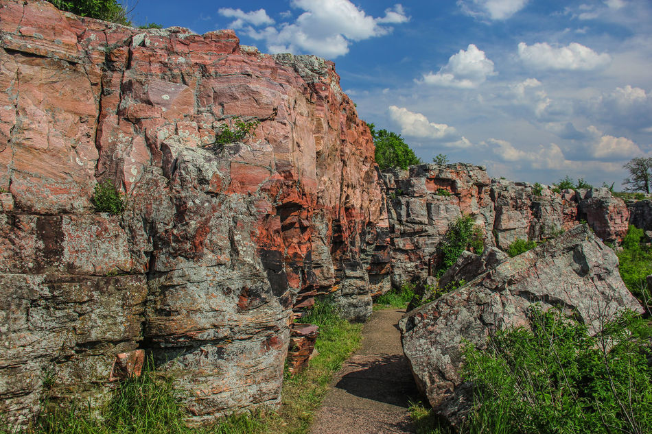 Rocky Ledge Blue Sky Canon60d Canonphotography Cliff EyeEm Gallery Green Pipestone Pipestone National Monument Rock Rock Formation Rock Outcrop Rocks Rocky Sioux Quartzite Stone Summer