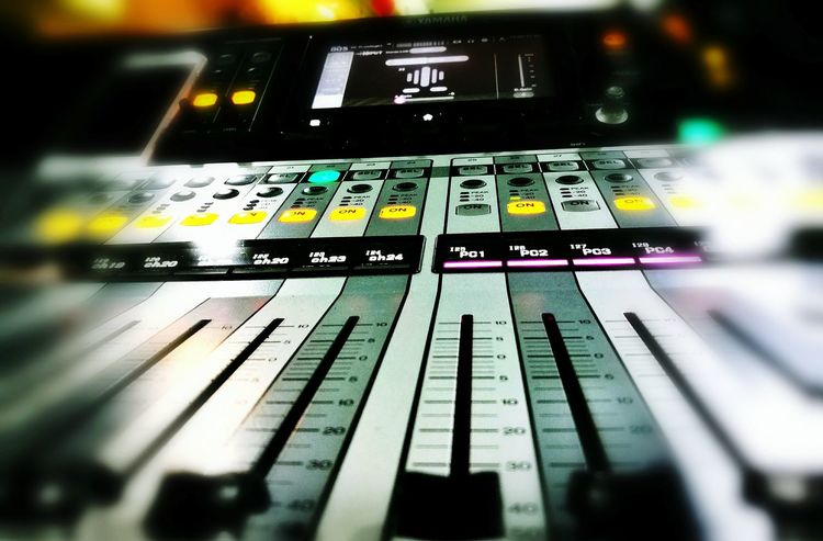 Close Up Technology Sound Mixer Tf5 Yamaha Eventday Wine Moments
