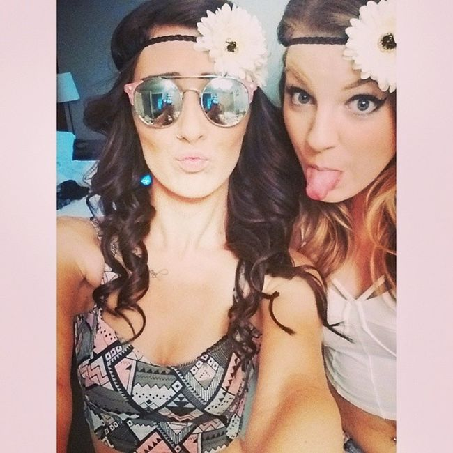 Love these glasses and this girl <3 Chainsmokers Beauty Dtlife Sick👍😘🍺