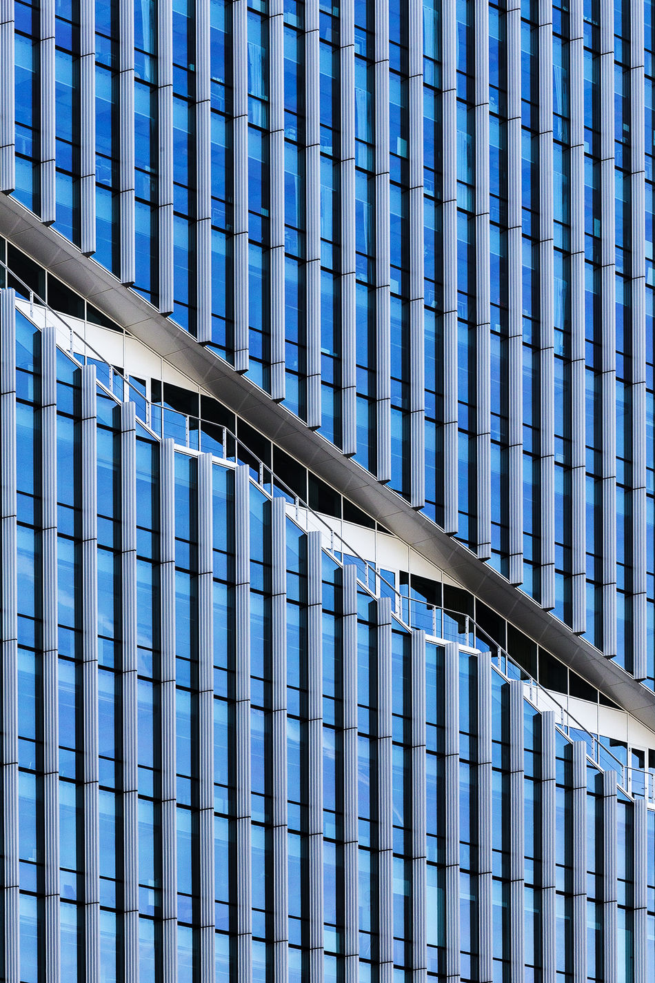 Architectural Feature Architecture Architecture Architecture_collection Backgrounds Blue Building Exterior Built Structure City Day EyeEm Best Edits EyeEm Best Shots EyeEmBestPics Eyeemgroupnederland EyeEmNewHere Eyemphotography Full Frame No People Office Building Exterior Outdoors Repetition Sky Skyscraper