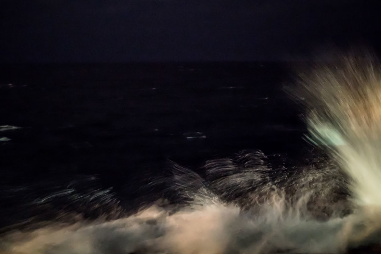 Splashing waves at night Beauty In Nature Cuba Cuba Collection Long Exposure Malecon Motion Nature Night Night Photography No People Outdoors Scenics Sea Sky Splashing Waves Travelling Photography Water