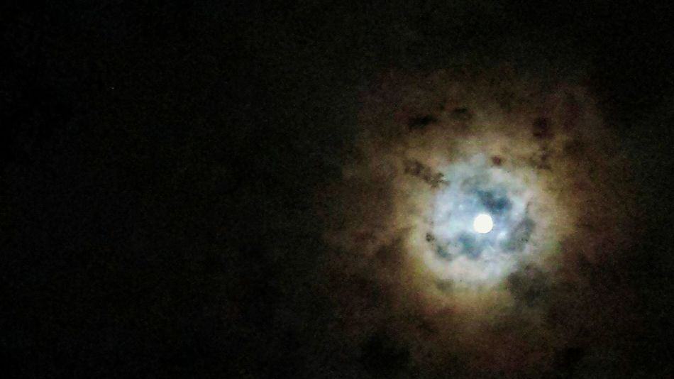 Lunallena 22.03.16 Luna❤ Full Moon Fullmoon Astronomy Darkness And Light Discovery Moonlight Moon And Clouds Lunalunera Dark Sky