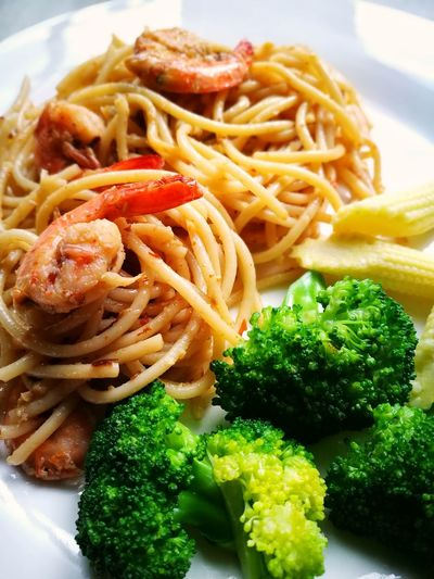 Food Food And Drink Pasta Plate Ready-to-eat Freshness Italian Food No People Indoors  Spaghetti Close-up Cooked Healthy Eating Day Spagetty Images Spagetty Aglio Olio Aglio E Olio Spaghetti Agliooliopasta White Plate With Food Spagettimadness EyeEmNewHere