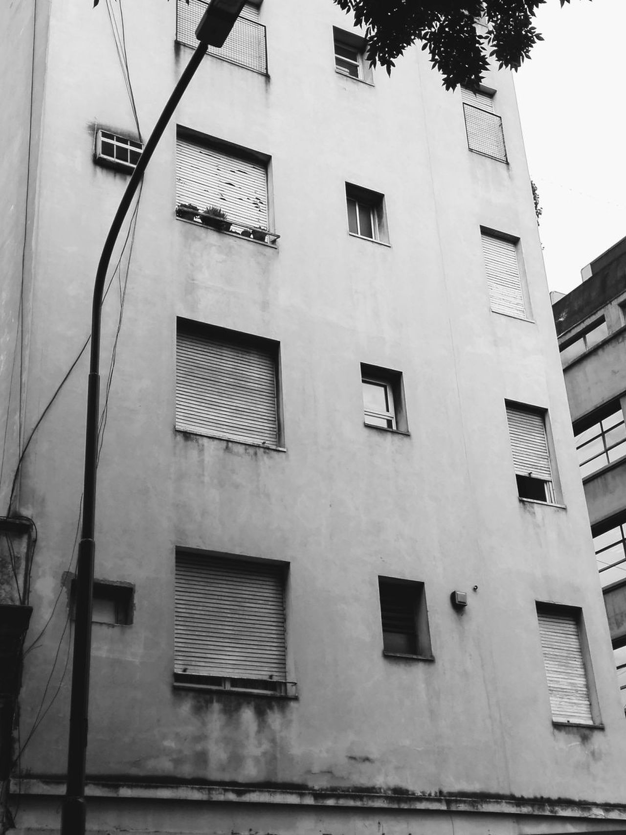Urban Exploration Cityexplorer City BW_photography Building Exterior Architecture Built Structure Low Angle View No People Outdoors Day City Sky