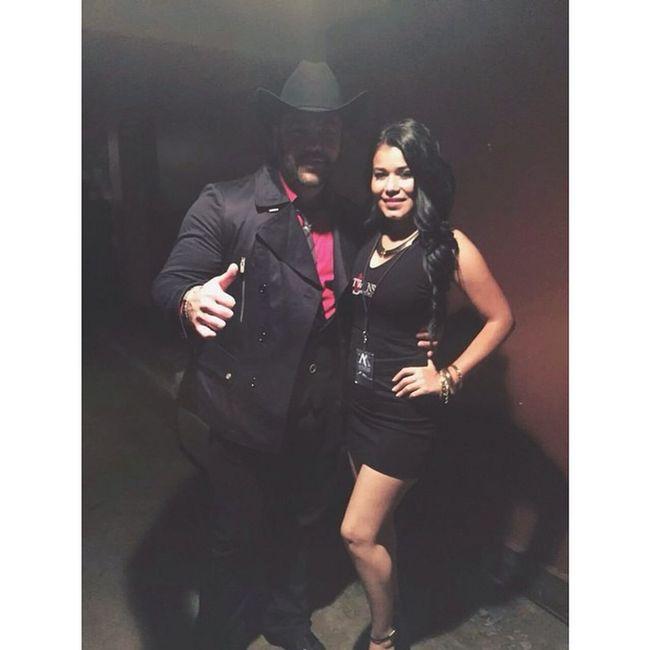 Saludos a @brendamtz3 y @rogelioelm ✌️💯! Puro TwiinsMusicGroup 🔴⚫️👊! ElRodeodePicRivera Dec6 2914 🎶👌💯