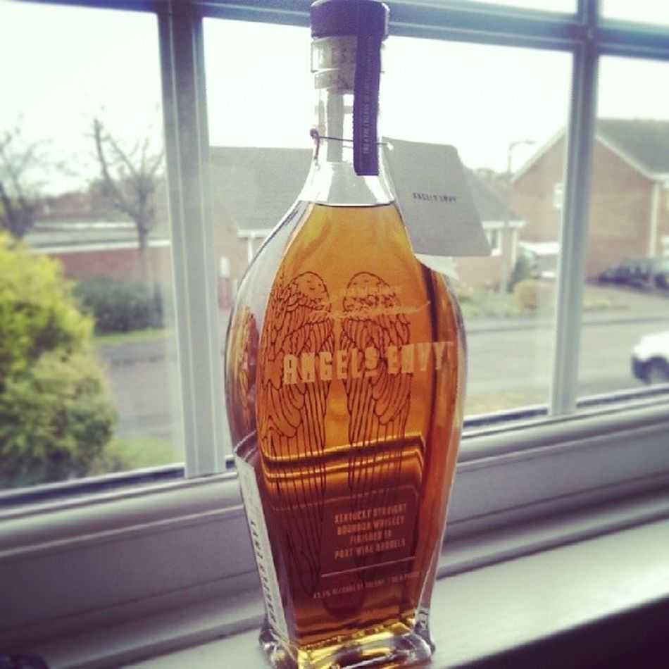 Is it just me? Or is this the best looking whiskey Bottle out there? And then there's the taste...... @Angels_Envy Gorgeous Bourbon Whiskey MineAllMine