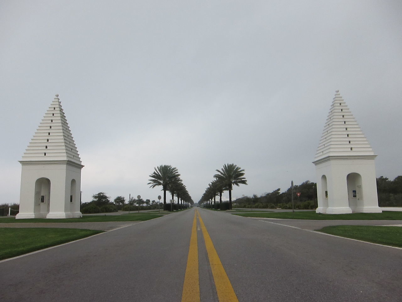 Alysbeach Architecture Building Exterior Built Structure Day Florida No People Outdoors Palm Trees Road Roadway Sky The Way Forward Transportation Tree Lined Roadway