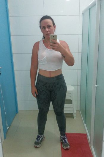 After 10km running. Womenwhorun Running Front View Gym Time Gym Life Healthylifestyle Sports Clothing Taking Photos Check This Out That's Me Selfie ✌ Confidence  Young Adult Human Skin Love Myself  GymTime Hello World Healthy Living