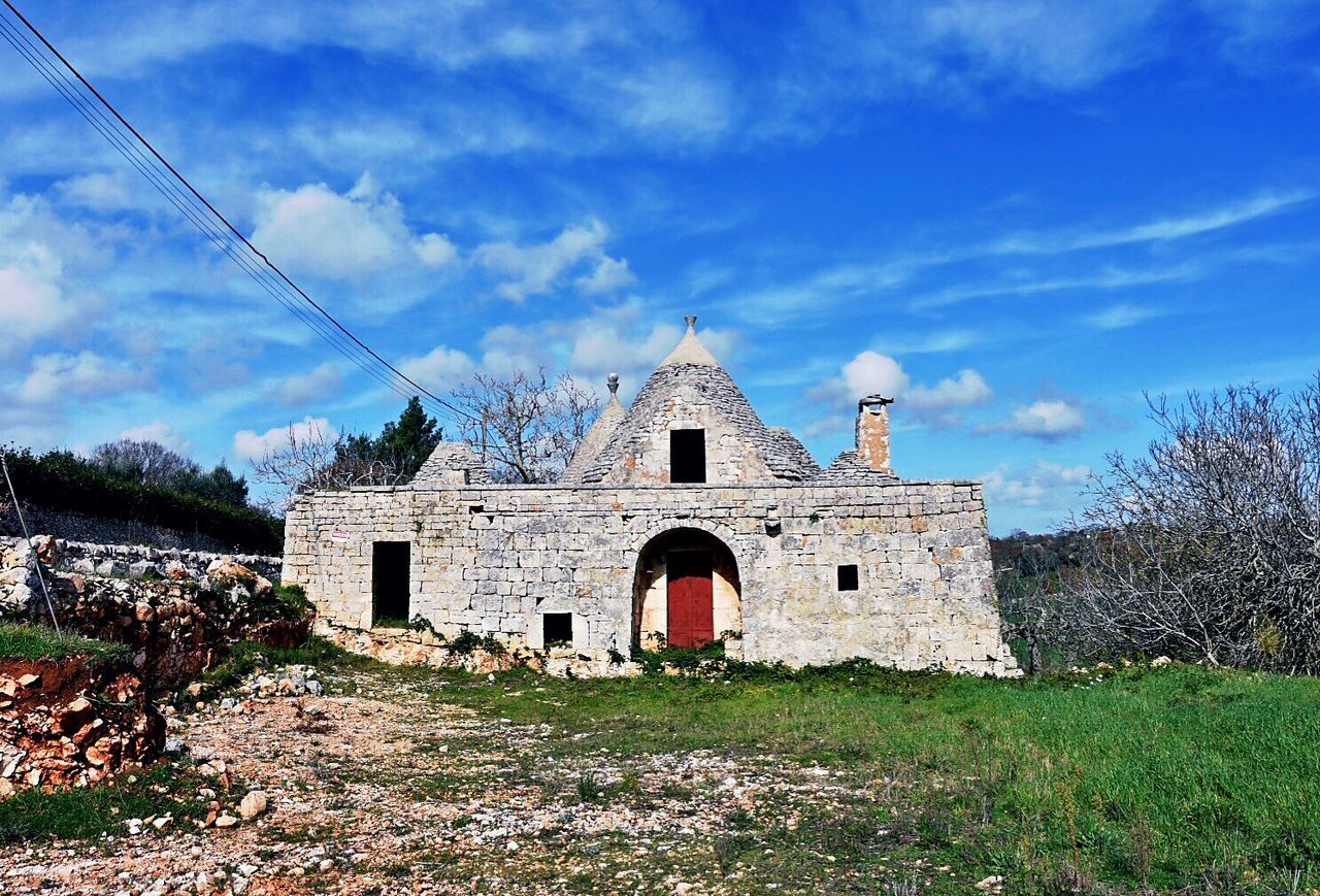 Building Exterior Building Eyem Best Shots 2016 Bestoftheday EyeEmBestPics EyeEm Best Edits EyeEm Best Shots EyeEm Gallery EyeEm Puglia Trulli Country House Eye4photography  EyeEm Nature Lover Martinafranca Cisternino Campagna Country Life For Sale Abbandoned Photography Photographer House Color
