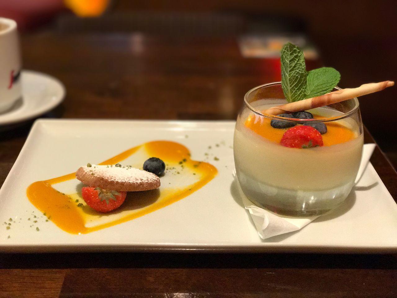 Food And Drink Freshness Indoors  Fruit Dessert Ready-to-eat Temptation Sweet Food Food Serving Size Lemon Posset