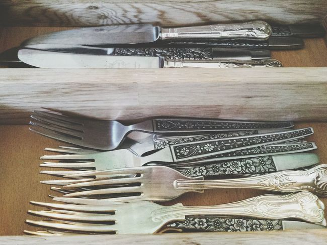 And for a complete and utter contrast to recent landscape offerings you may peruse the knives and forks in their drawer. Knives Forks Drawer Division Reflection Seperate Metal Design Kitchen Dining Utensils Cutlery Pattern Wood Flowers Dinner Time Composition Still Life Knife Knifeporn Knife And Fork Knives And Forks Interior Views Interior Design Found On The Roll
