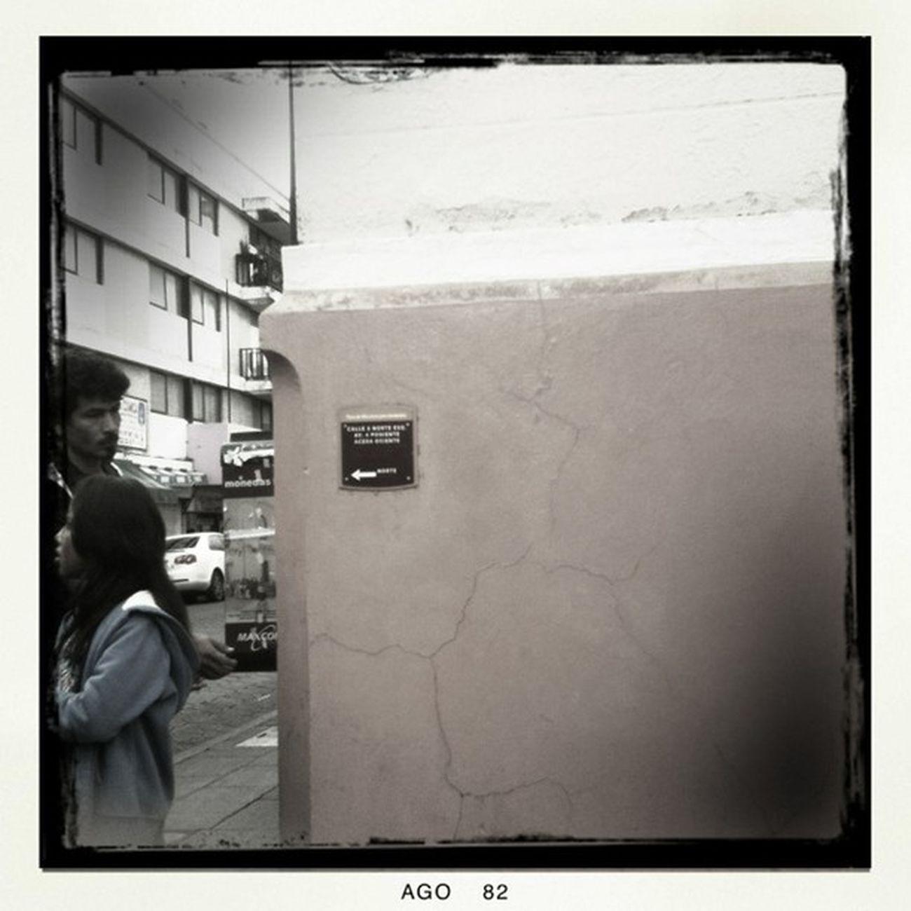 Raro intermedio. #Hipstamatic #BuckhorstH1 #BlacKeysBW #PopRox Street Hipstamatic Corner Bw Calle Blancoynegro Mextagram Bn Esquina Poprox Blackeysbw Buckhorsth1 Igersmexico