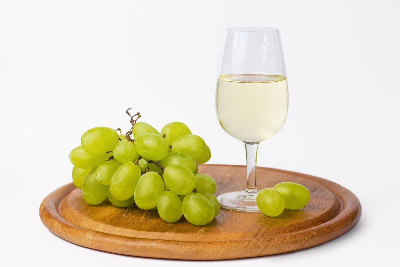 Wine Moments Grape Alcohol Food And Drink Wine White Background Winetasting Food White White Whine Glass Green Green Grape Still Life Studio Shot Still Life Photography StillLifePhotography Close-up Close Up Tasty Inviting Grapefruit Cutting Board