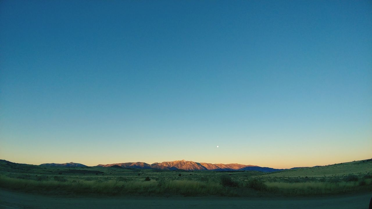 Sunset Sky Sand Nature Outdoors No People Day Mountain Nevada Skys Nightsky Sierranevadamountains Astronomy Night Supermoon2016 Traveling Photography Grassy Field Panoramic Photo Sunrise Porn Peaceful Landscape Green Dramatic Sky Mountain Peak