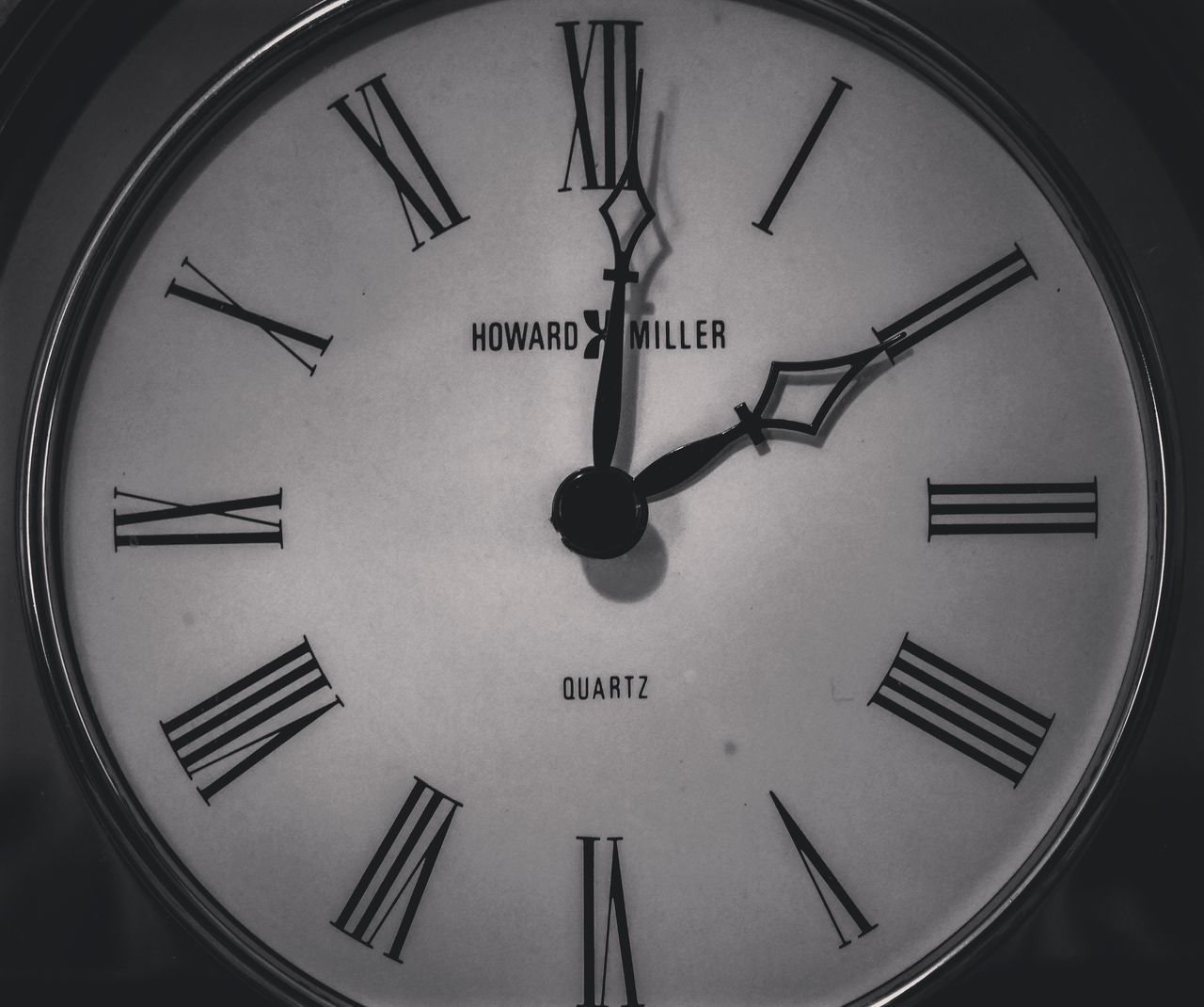 B&w Clock Clockwork Time Falling Reflection Tick Ticking Away Photography In Motion Urban Spring Fever Here Belongs To Me