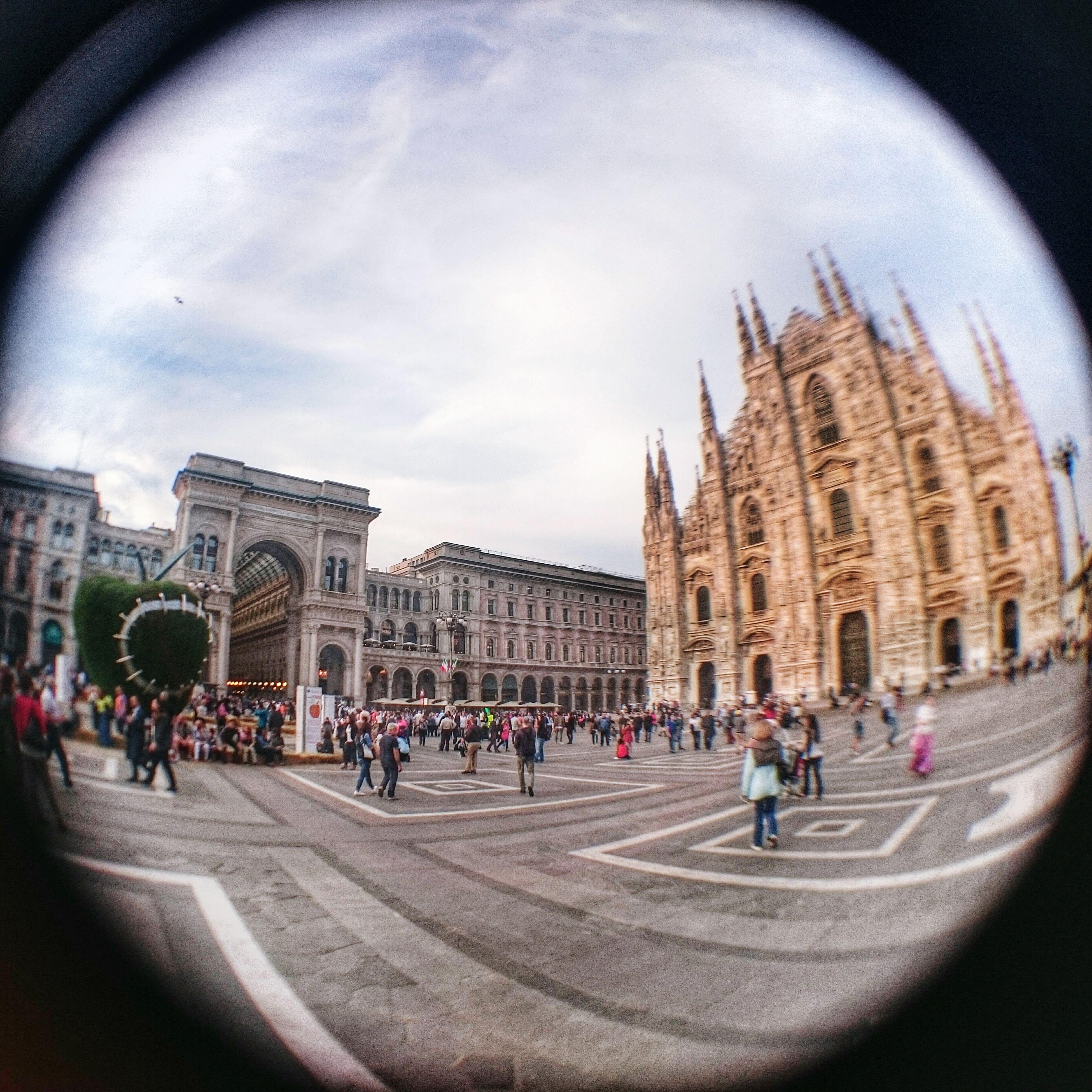Art Apple Cathedral Duomo Duomo Di Milano Expo Michelangelo Pistoletto Il terzo Paradiso. La mela reintegrata Fisheye Sony XperiaZ3