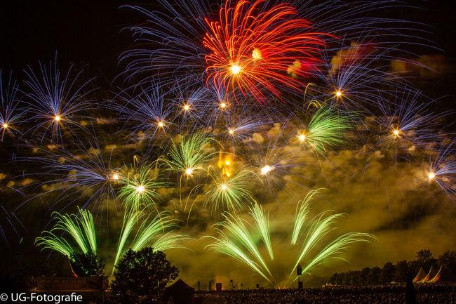 Feuerwerk Flammende Sterne 2015 Ostfildern Flammende Sterne Feuerwerk 😍❤️ Fireworks Check This Out