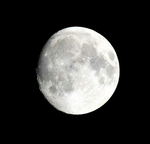 Right Now 01:04am Moon Beauty Magnetic Sky Astronomy No Filter Nature Black And White Oujda Morocco