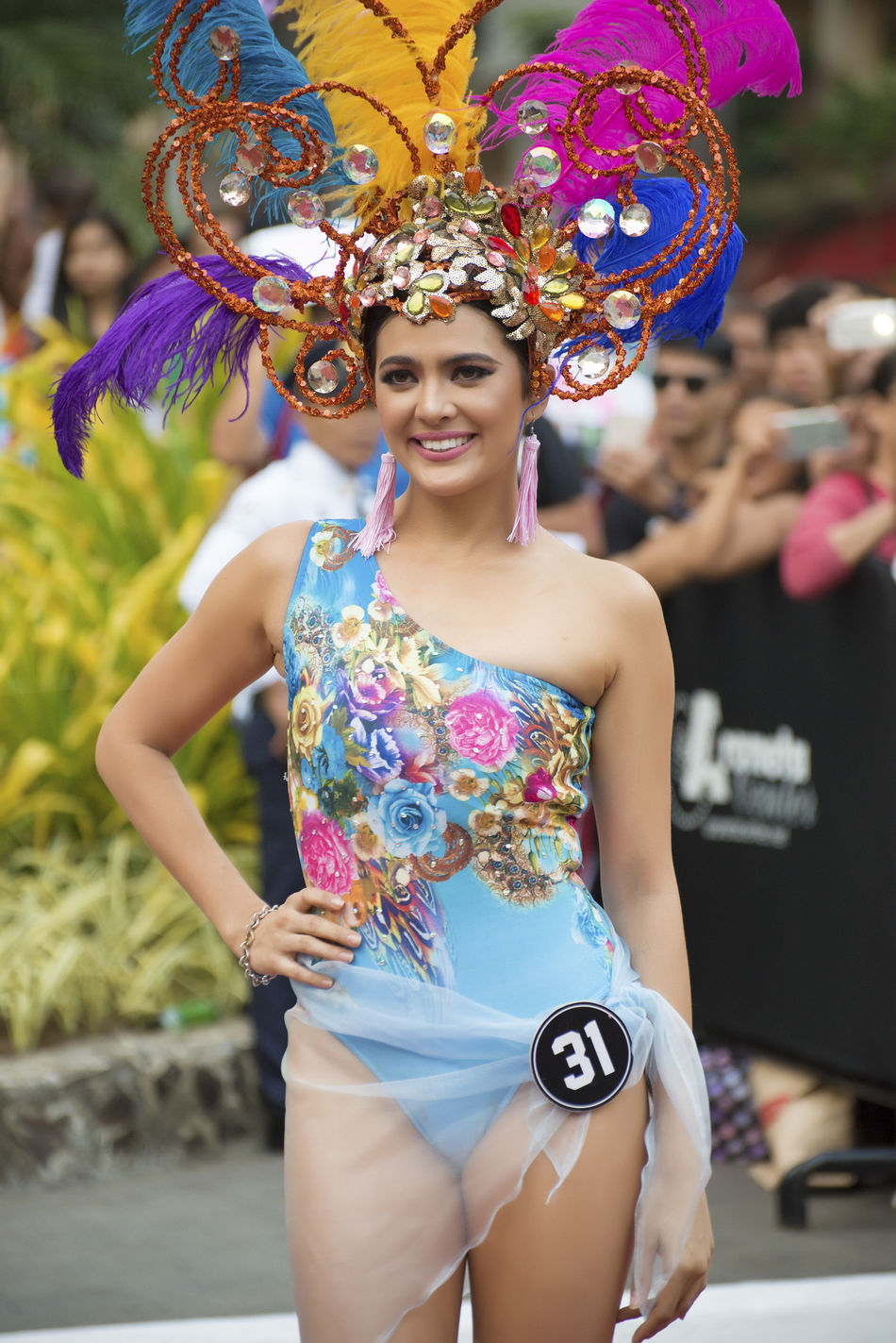 BbPilipinas EyeemPhilippines The Week On EyeEm Young Adult Enjoyment Cheerful Fun Leisure Activity Real People Outdoors Smiling Beautiful Woman Celebration Multi Colored Women Wearing Flowers Headdress Filipina Beauty Art Is Everywhere