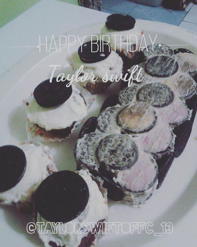 HappyBirthdayTaylorSwift 2taps Cakeforyou @taylorswift Bymyself Love Hapbirth @taylorswift Wish u all the best I love u 26.26.26.26😸😸😸😍😍😍👄👄👄