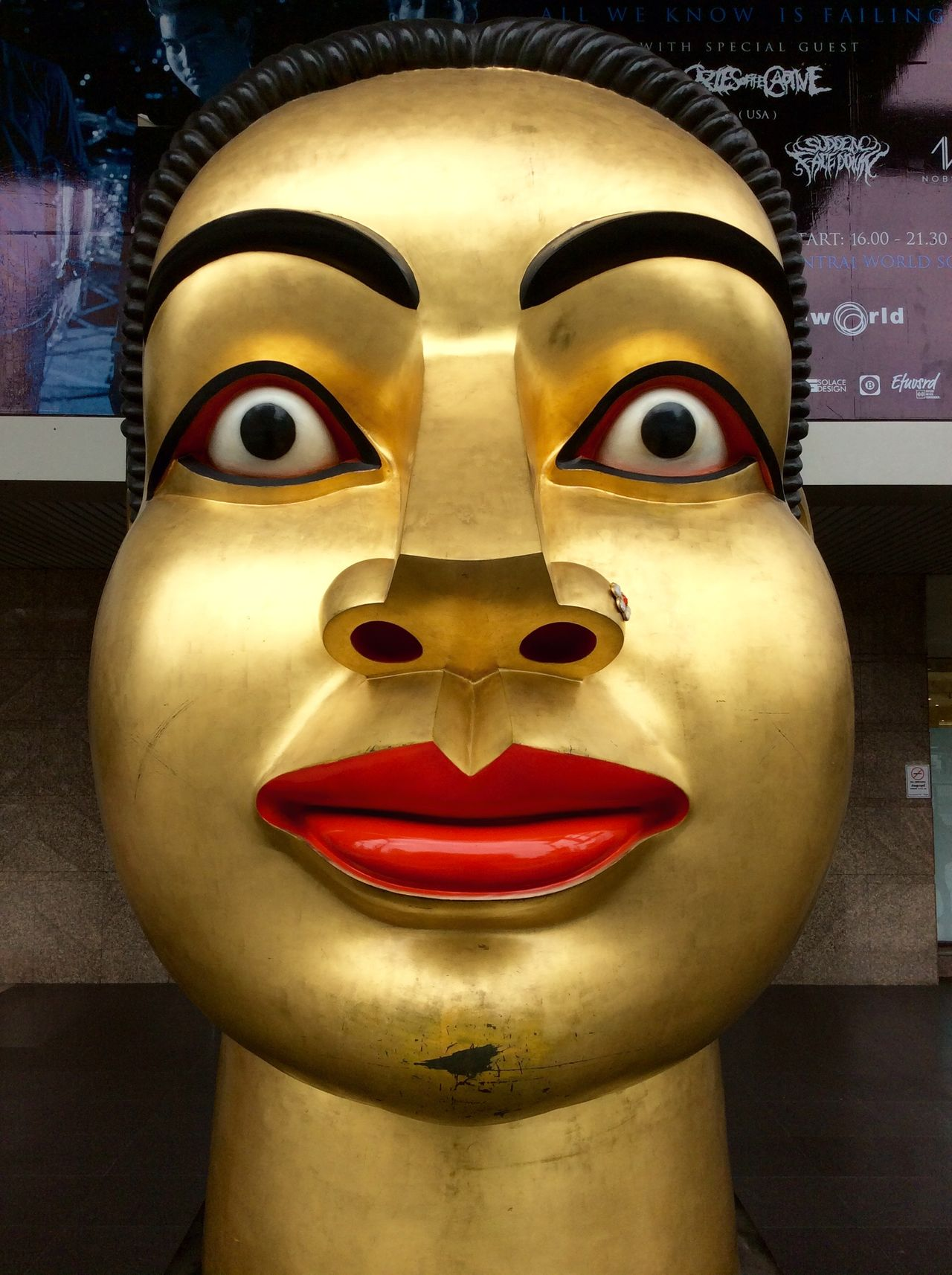 Bangkok Thailand. Large Golden Carved Head clean lines Modern Architecture Reflections EyeEm Thailand Thai Style big eyes
