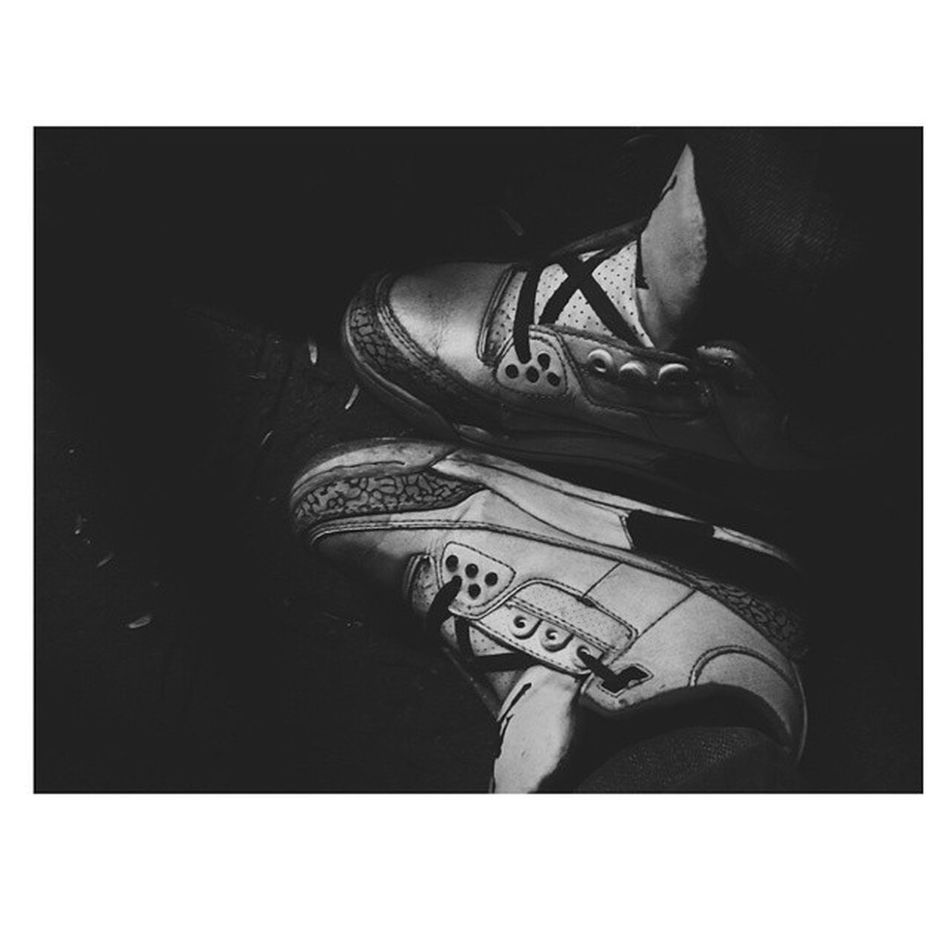 My firstsneaker .... It lets me in a super interesting game :)) Jd3 Nike Jumpman Airjordan3 3s whitecement