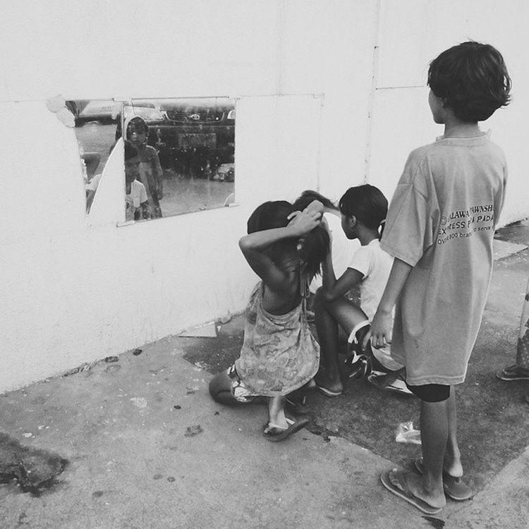 F R A G M E N T ?Streetchildren IloiloCity Neglect