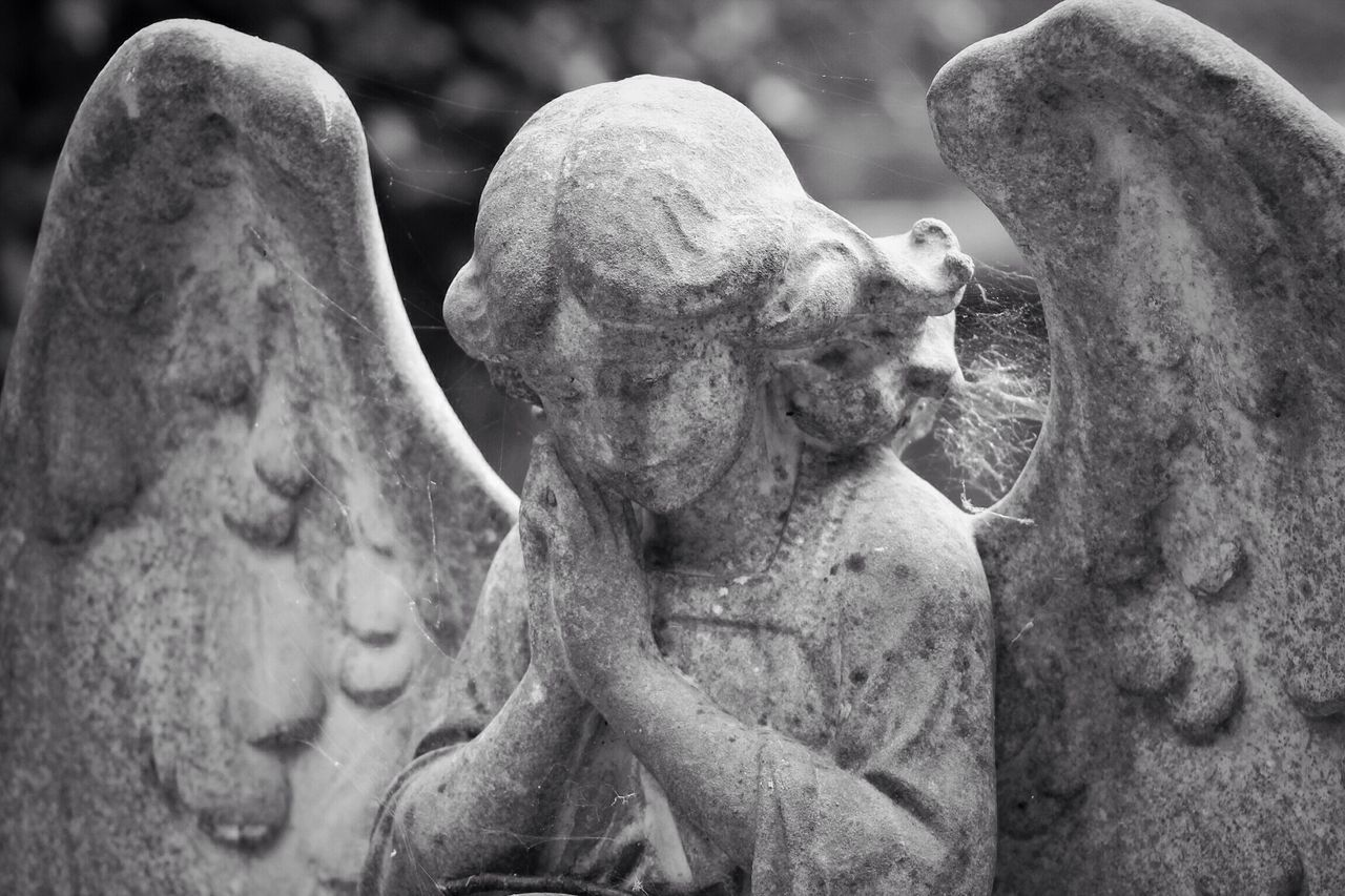 Sculpture Statue Outdoors Close-up No People Day Canon Black & White Creative Photography Graveyard Beauty Churchyard Canonphotography Burial Ground South West London Graveyard Cemetery Tombstone Memorial Grave Photography