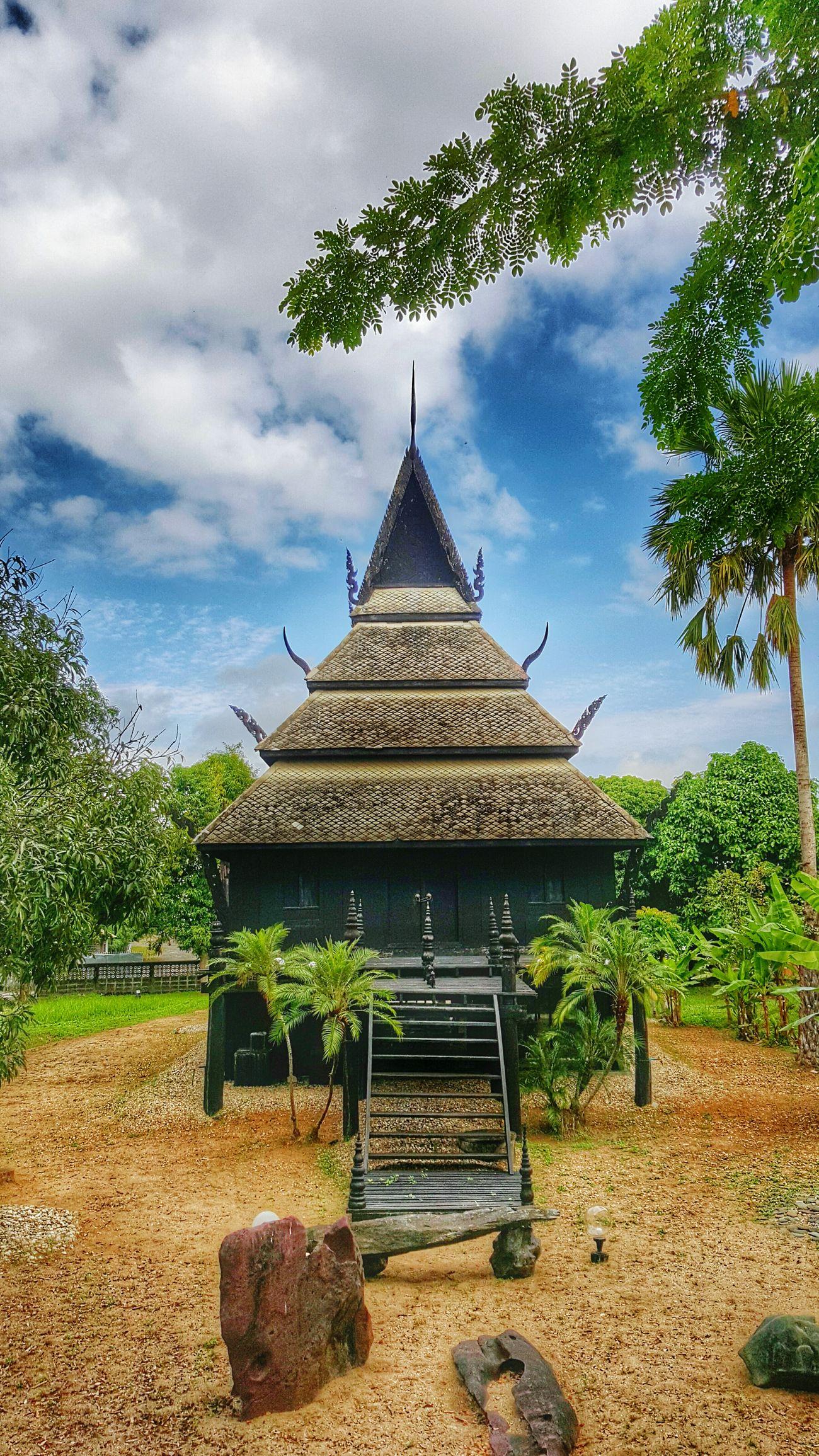 Hello World The Global EyeEm Adventure Chiangrai,Thailand At @chiangrai Old House Artisan