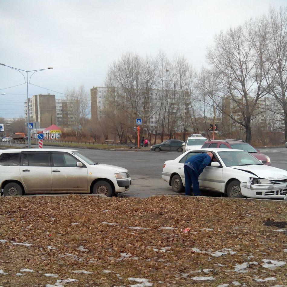 Авария на перекрестке Крылова и Ярыгина Абакан Авто авария