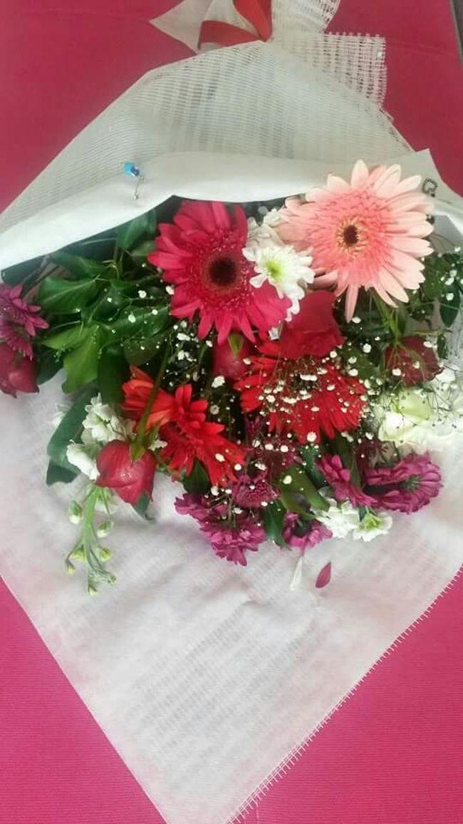 Iyi Geceler.  çiçeklerimle Herkese Pozitif Gunlere Adimlar Temmennisi Ile 💕 çiçek Buket Flowers MyFlowers Goodnight Cicekler Yazi Ozledim Yine ...