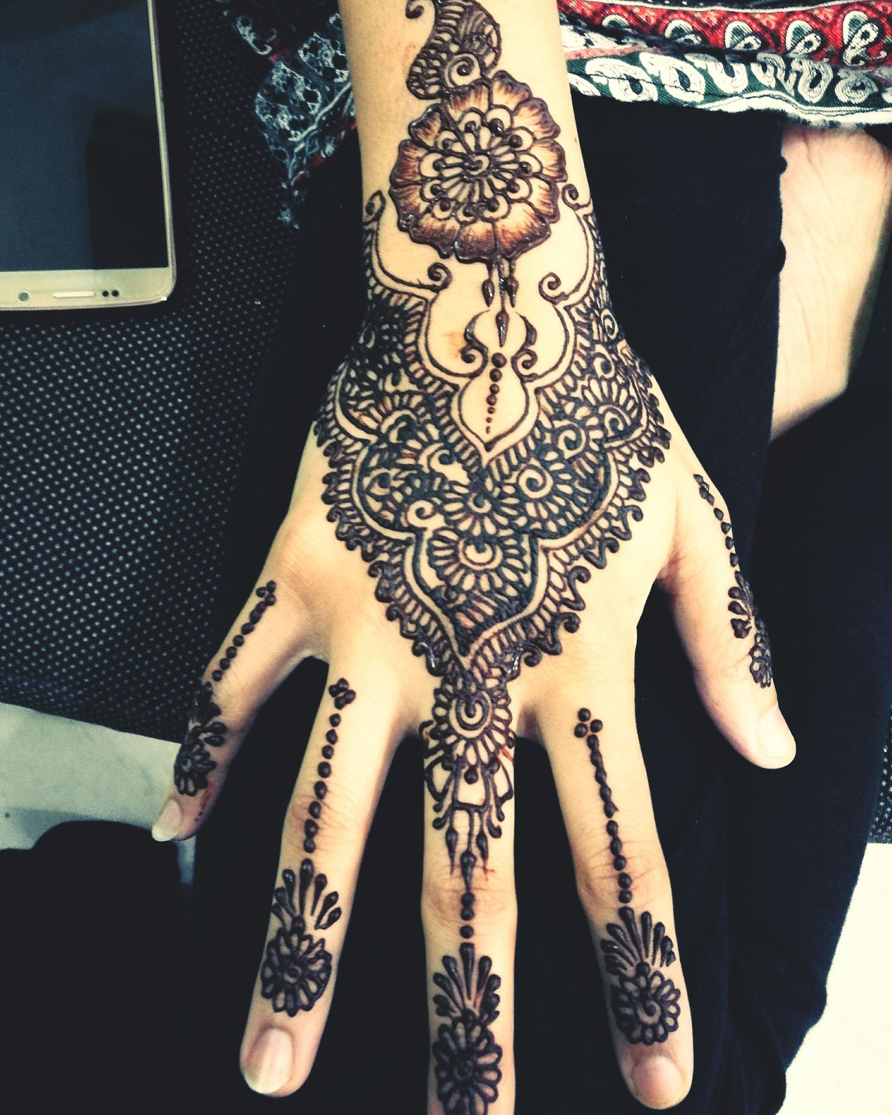 Person Tattoo Indoors  Fashion Culture Front View Henna Tattoo Femininity Fashionable Funky Person Artist ArtWork Pakistani Kuwait Kuwait❤ Kuwaitinstagram Kuwaitphoto Talent Henna Tattoo ❤ Henna Design Henna Artist Mehendi First Eyeem Photo