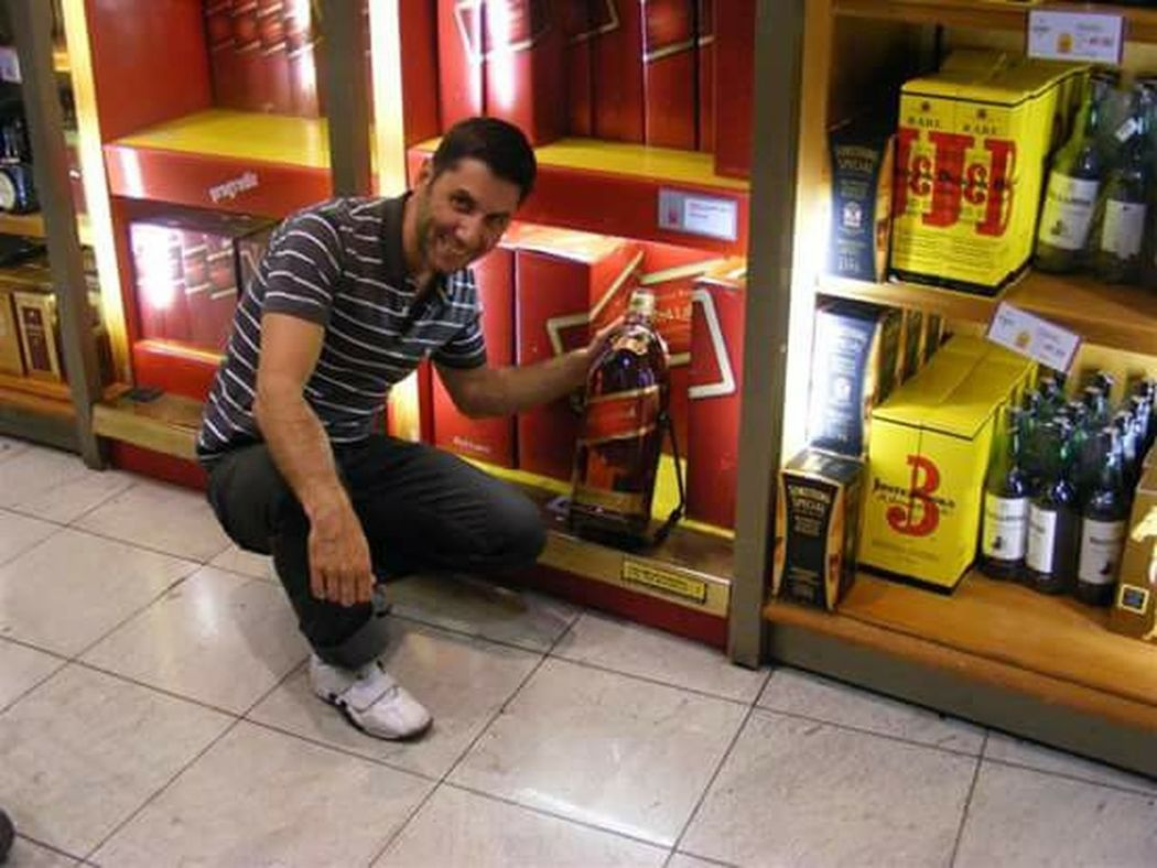 Mi whisky preferido!!!! My favorite whisky That's Me Relaxing Brazil ❤ Jhonnie Walker Red Label Whisky Duty Free Sao Paulo - Brazil