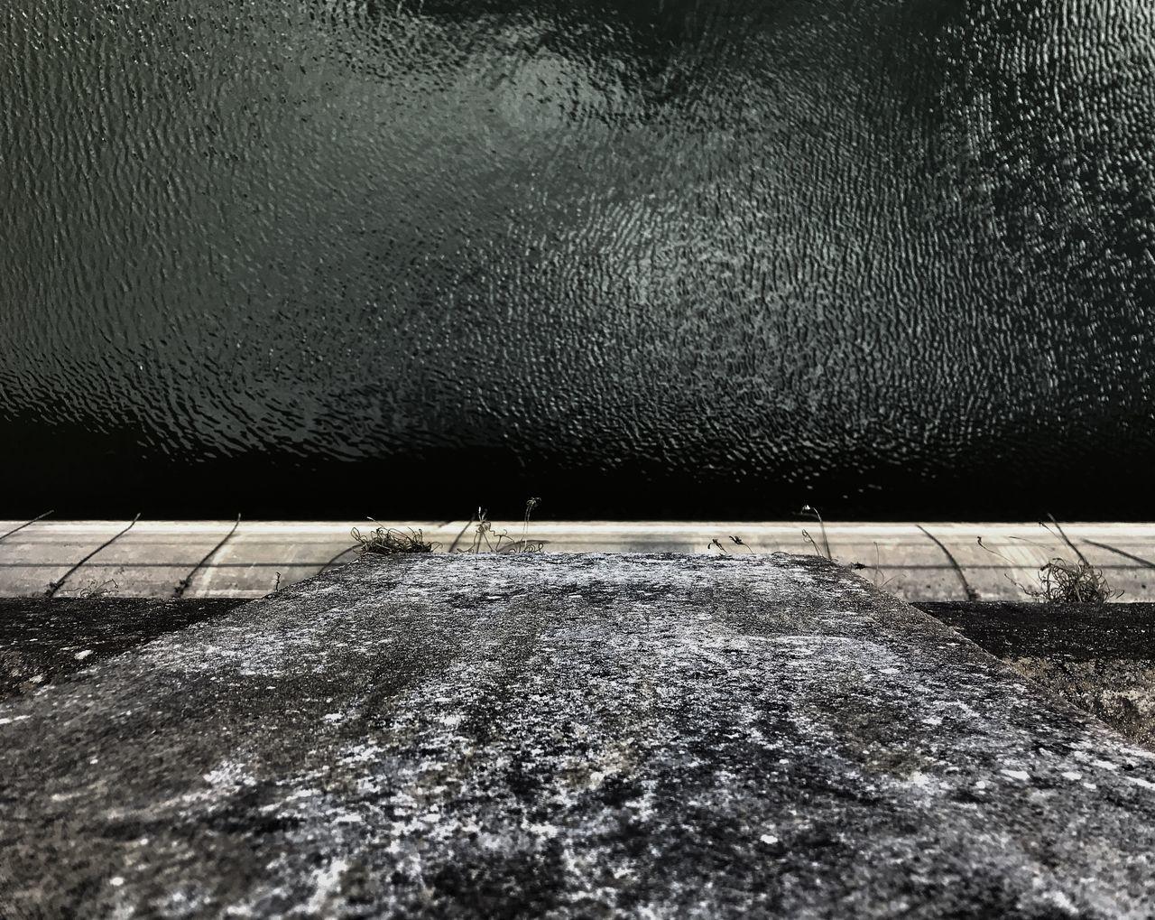 No People Water Waterdam Represa Black & White Symetry High Angle View High Concrete Wall EyeEmNewHere Architecture EyeEmNewHere