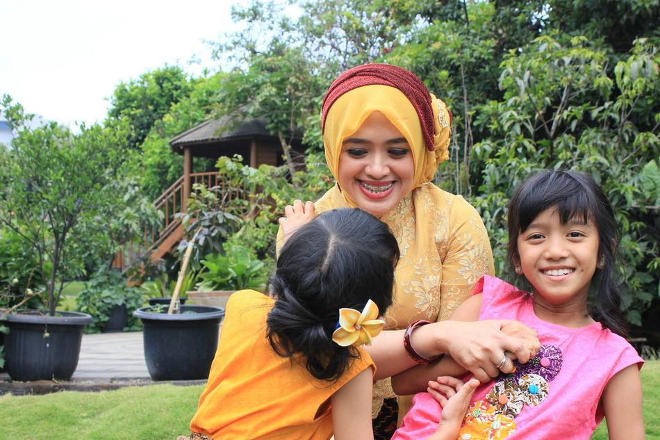 Me & Ma Belle Enjoying Life First Eyeem Photo Traditional Costume Sundanese Style Bandung, West Java That's Me Mygirls Happy People Happyday