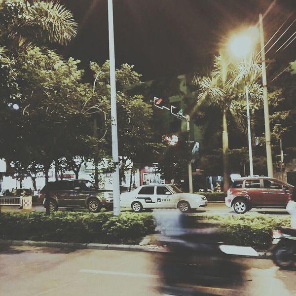 我要和你在一起。😳😳 City Lights Citylife Citynights Citynightlights