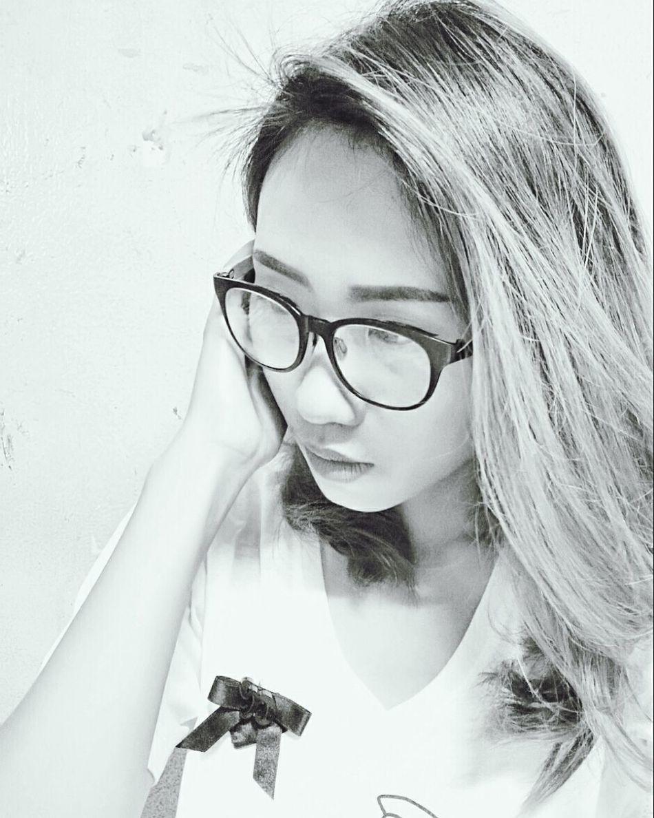 Close-up Eyeglasses  White Background I'm Asian Girl ♥ People Of EyeEm Yinggie Hello World Black & White Nite Nite ♥