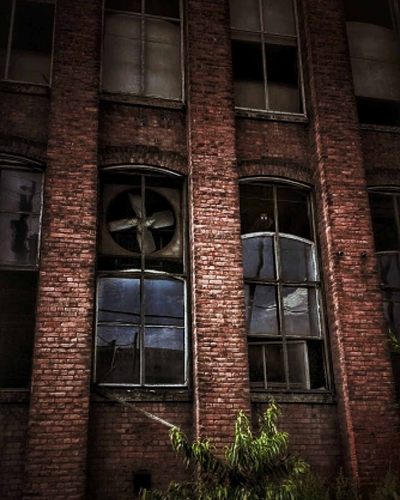 Building Exterior Built Structure Urban Lifestyle Creepy Atmoshpere Abandoned Buildings Tresspassing For Art EyeEm Gallery Textured  Doorsandwindows AMPt - Abandon Abandoned Abandoned Places Decayed Beauty AMPt - My Perspective Broken Window Abandoned & Derelict Brick Wall Brickporn Brick Building EyeEm_abandonment