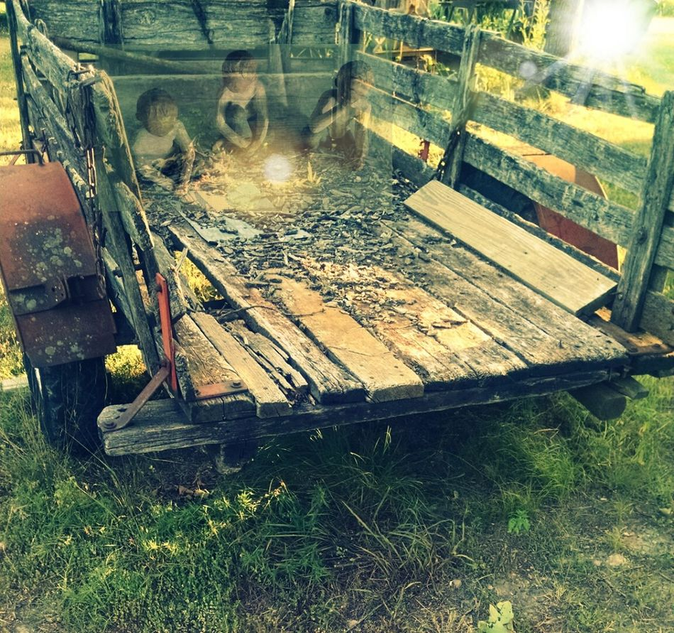 Old Trailer Seeing Ghosts Taking Photos Check This Out