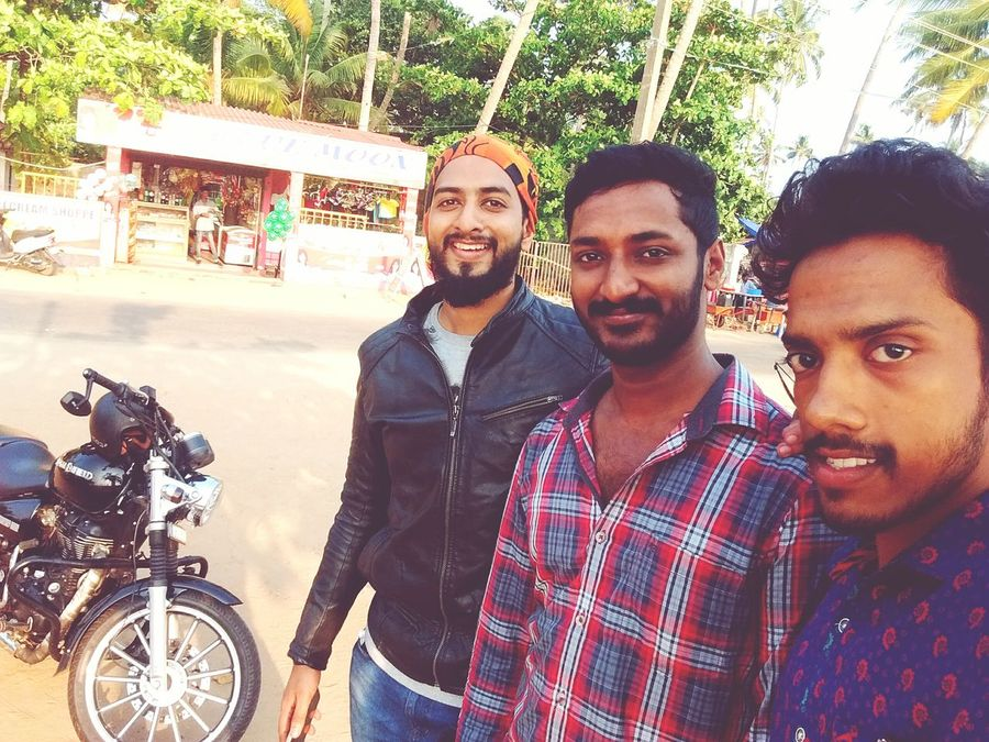 Cherai Beach Hanging Out With Friends Sunshine Sunkissed☀ Bestbuddies Best Friends ❤ Bff Picoftheday Selfie ✌ Selfieoftheday Kerala The Gods Own Country ;)
