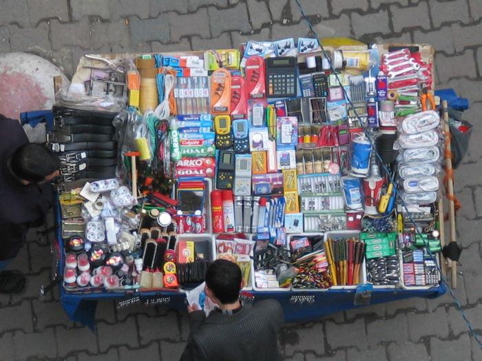Istanbul Market Bananas For Sale Istanbul Sokakları One Man Market Satıcı Seyyarsatıcı Strassenverkaeufer