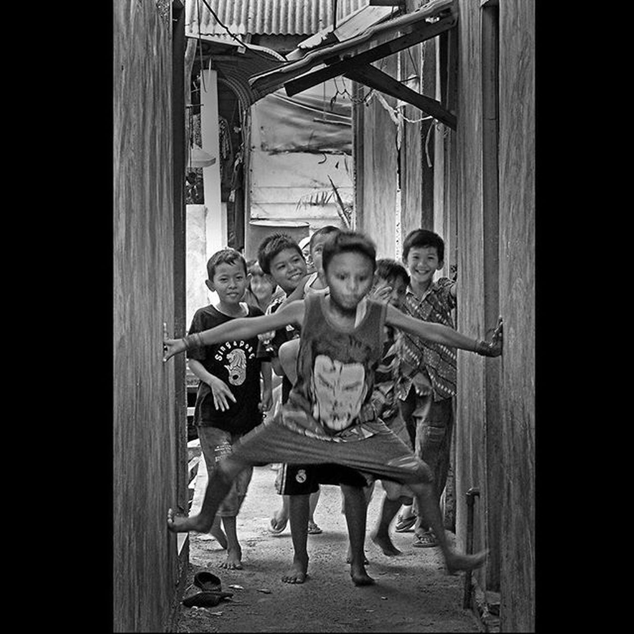 The happiness boys in Agas Village, Tanjung Uma, Batam. They are just village boys, but it's not make they unhappy only play with a simple games. Serikat_fi 1000kata Pewartafotoindonesia Geonusantara Kompasnusantara Natgeonesia Streetphotography Streetphotographers StreetLife_Award Streetphoto_bw Blackandwhitephoto Bw_indonesia Artphoto_bw Insta_bnw Bnw_globe Bw Bnw_worldwide Bestshooter_bw Bw_photooftheday Monochrome Mirrorless Mirrorlesscamera CSC Olympusomd Olympusomdem10 OlympusUK GetOlympus