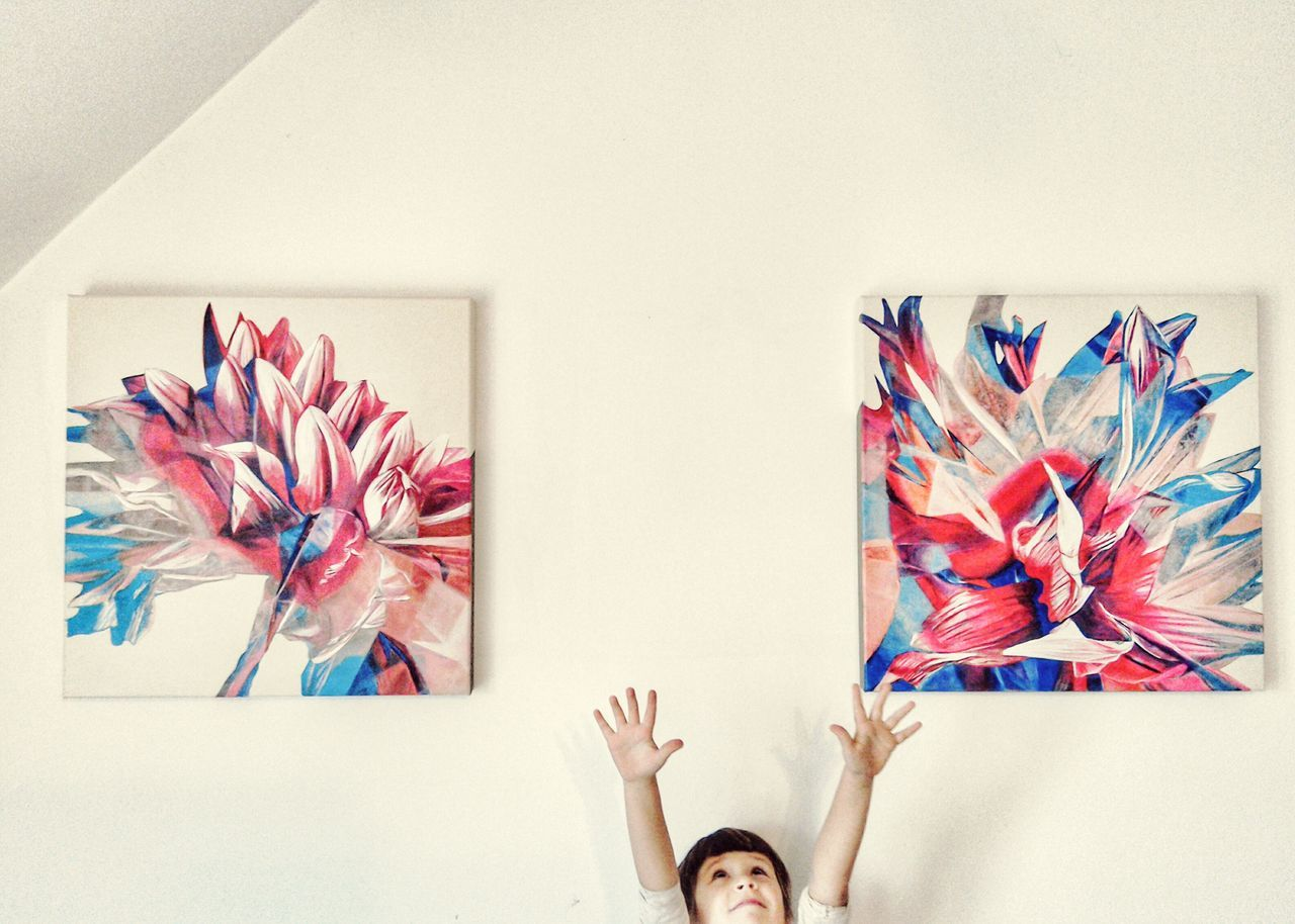 Acrylic Painting Paintings Interior Views Kids Being Kids Hands Up White Wall Flower Themes Lieblingsteil