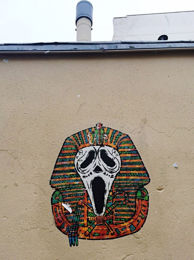#scream #pharaon #pharaoh by @NotyAroz #notyetaroz #egypt #streetart #graffiti #wall #pochoir #collage #paris