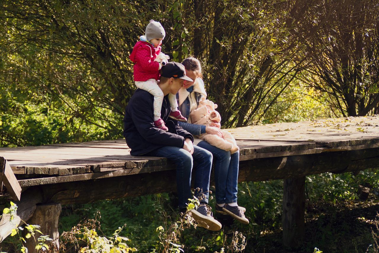 Beautiful stock photos of muttertag, sitting, togetherness, bench, love